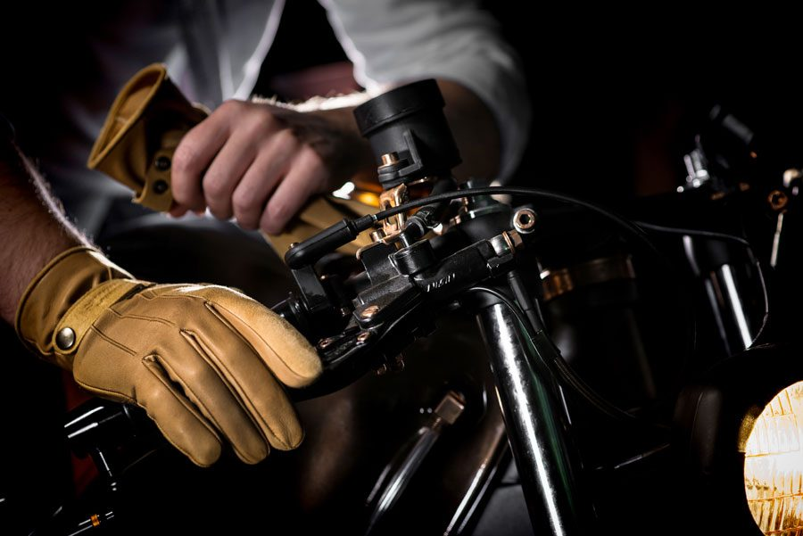 ulnar_gloves
