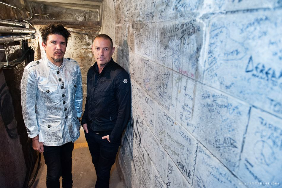 Thievery Corporation – The richest Man in Babylon (live)