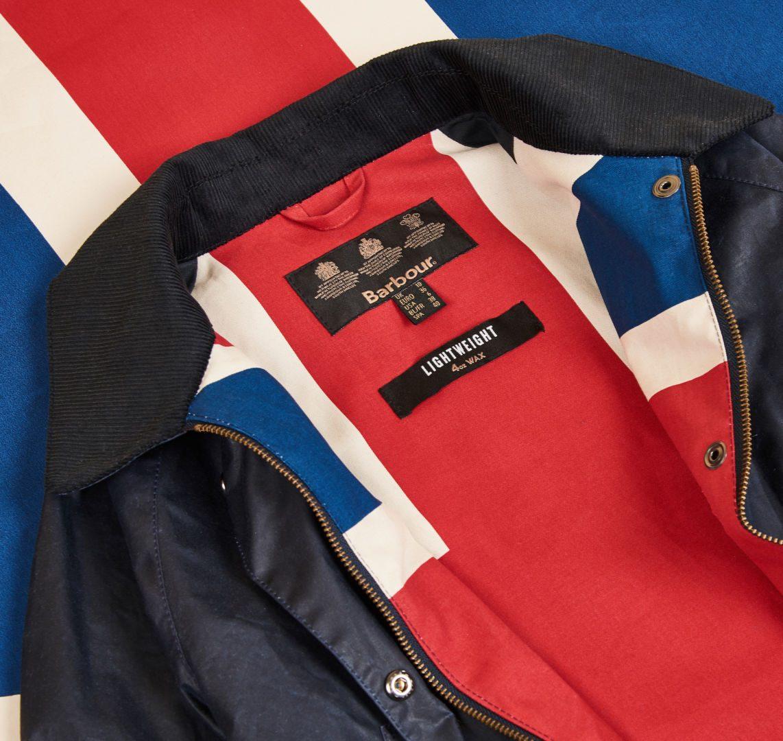 Barbour präsentiert Modelle mit 4oz Wachsqualität und Union Jack-Lining