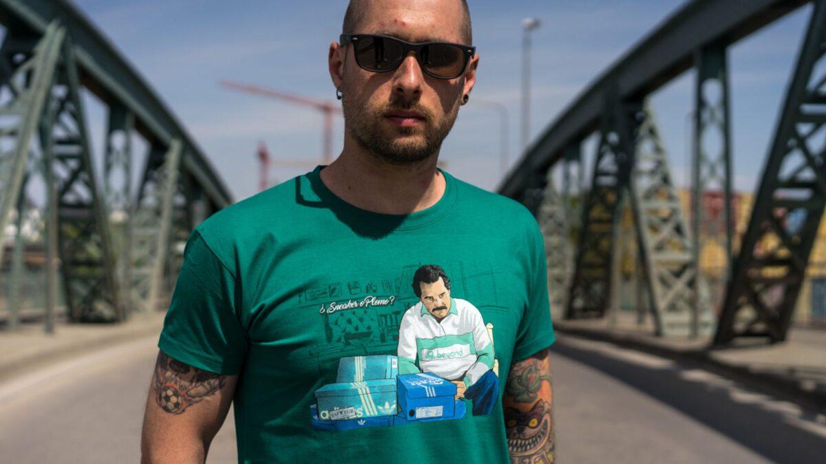 Sapeur OSB T-Shirt: Sneaker o Plomo?