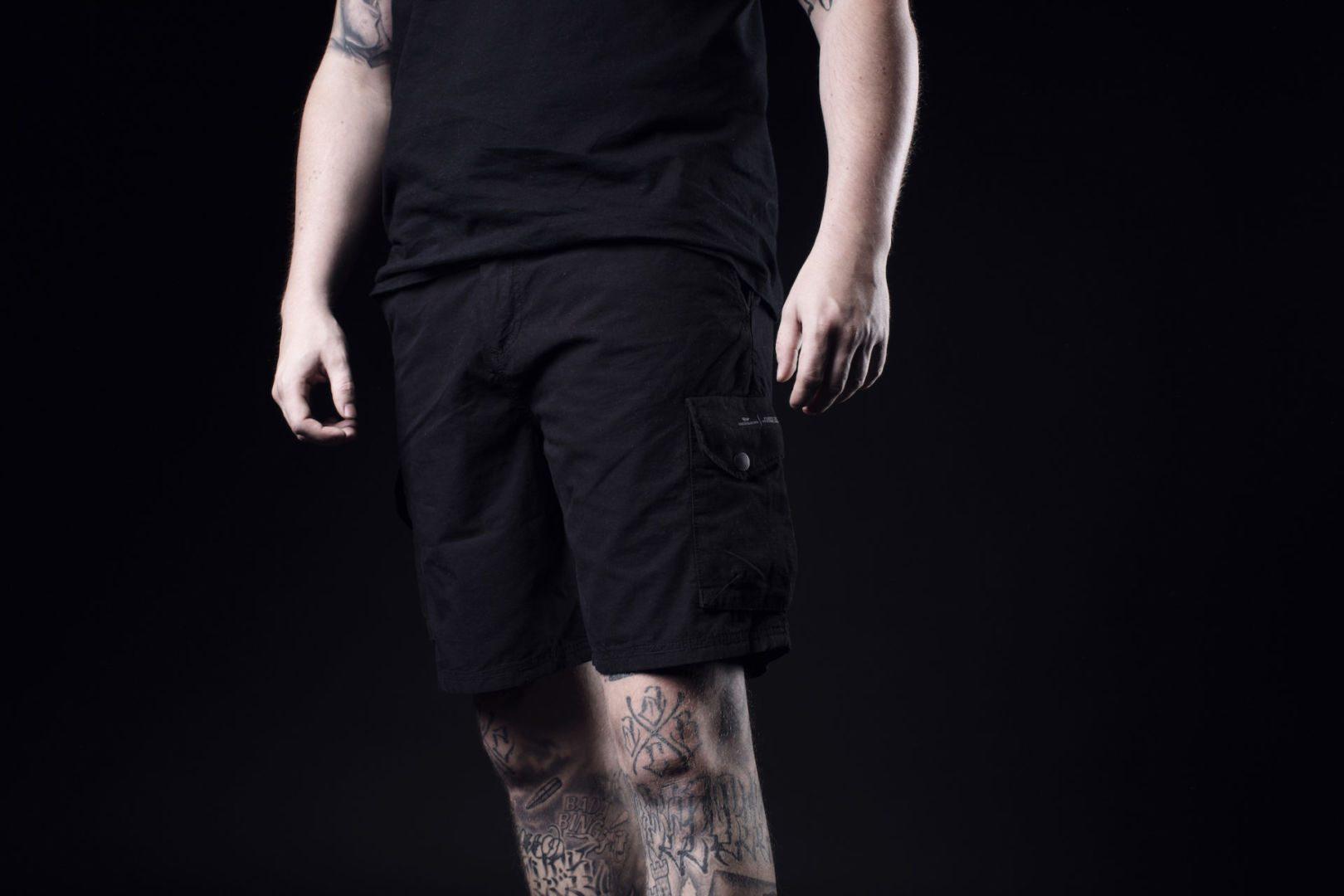 Peaceful Production X Dreierhopp | Die Awaydays Shorts