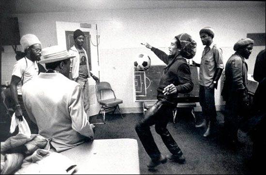Bob Marley liebte das Spiel mit dem runden Leder – Football is Freedom!