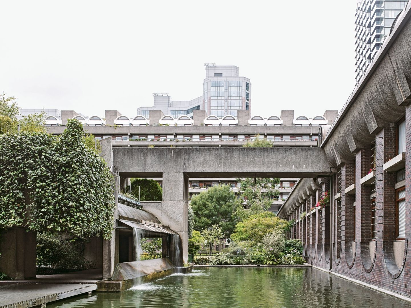 Buchtipp: The Barbican Estate by Stefi Orazi