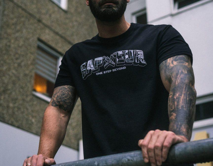 Sechs Jahre Sapeur – One Step Beyond | Das T-Shirt