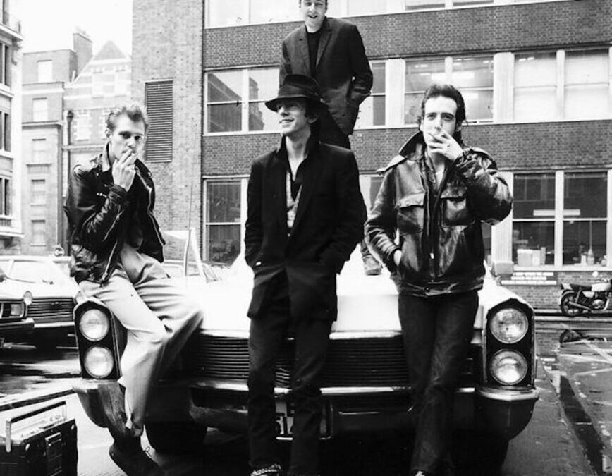 The Clash – Police on my back