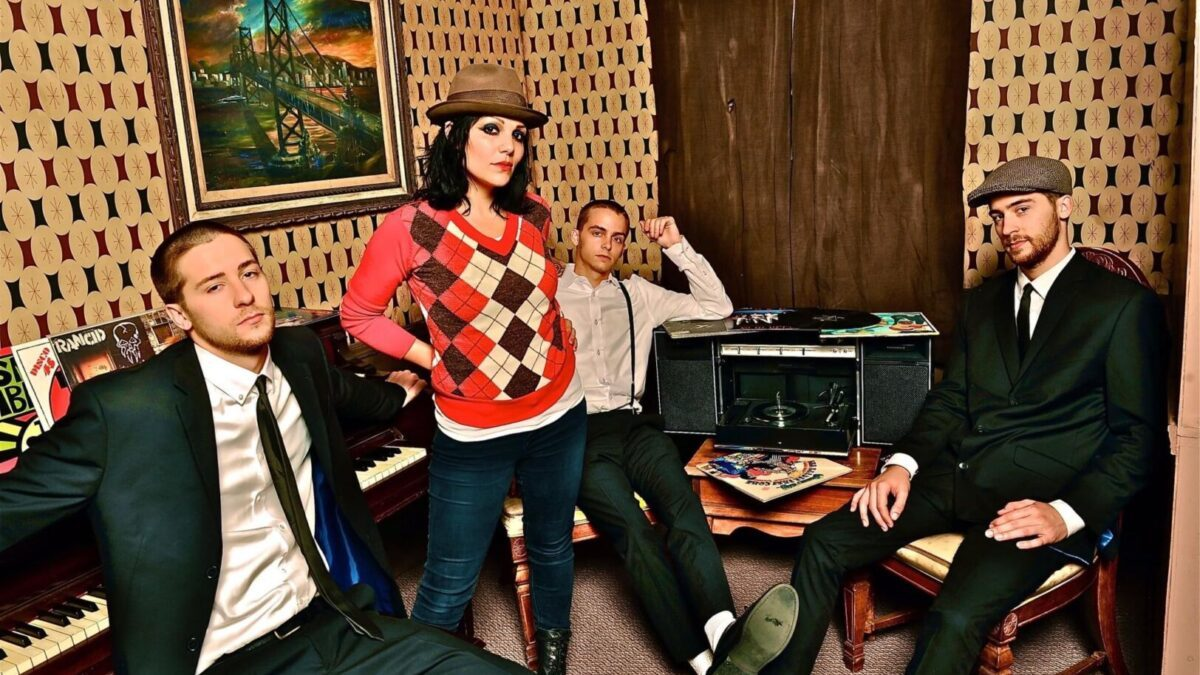 The Interrupters – Get down Moses
